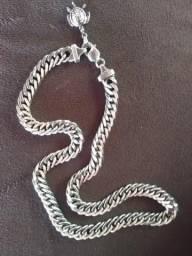 Vendo uma corrente de Prata estilo colar