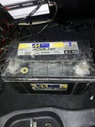 Vendo Bateria Moura 300 reais