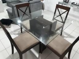 Mesa 4 Cadeiras ( conservada)