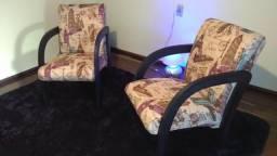 2 lindas cadeiras de aprox ( conjunto )