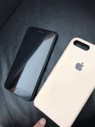 iPhone 8 Plus preto