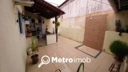 Casa de Condomínio com 2 quartos à venda, 110 m² por R$ 330.000 - Chácara Brasil