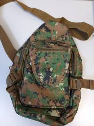 Bolsa tipo Shoulder Bag Camuflada - Nova