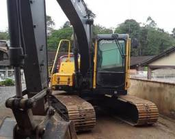 Escavadeira EC140