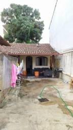 Título do anúncio: Casa e Barracão simples em Lote de 200ms²