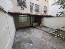 Título do anúncio: Apartamento para aluguel possui 95 metros quadrados com 2 quartos