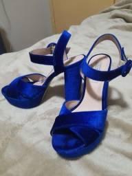 Sandália veludo azul