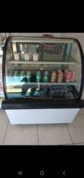 Freezer expositor pronto pra uso Gela tudo,  ótimo para confeitaria