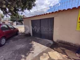 Título do anúncio: Casa com 2 quartos - Bairro Setor Leste Vila Nova em Goiânia