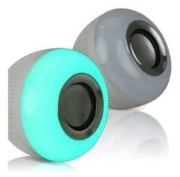 Título do anúncio: Lâmpada Led que é Caixa de Som Bluetooth + Controle