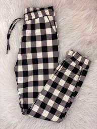 Calça xadrez jogger preto e branco