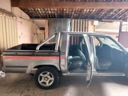 Toyota Hilux 95 vendo ou troco