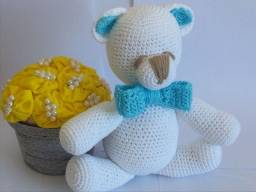 Ursinho Ted Amigurumi Branco de Gravata/Laço 26cm