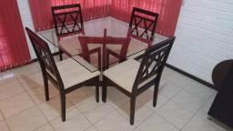 Mesa de Jantar de Vidro temperado - 4 lugares com cadeiras estofadas