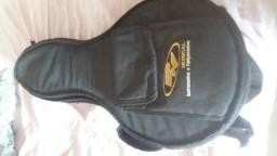 Banjo em ótimo estado e só compra e tocar . profissional