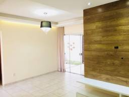 Casa Condomínio Fechado - 3Qtos 1Suíte - Excelente área para churrasco ;)