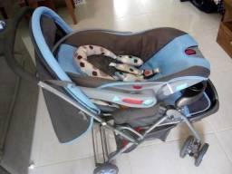 Carrinho e bebê conforto Semi novo