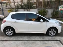 Peugeot única dona com muito baixa KM, pneus novos, step nunca usado