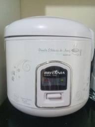Panela elétrica de arroz semi-nova