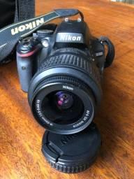 Câmera Nikon D5100 com acessórios