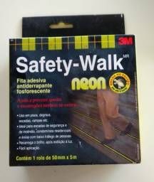 Título do anúncio: Fita antiderrapante fosforescente 50mm x 5m - Safety Walk Neon - 3M