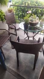 Conjunto de cadeira e mesa de jardim