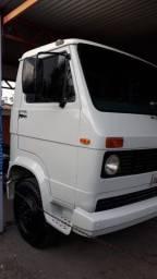 Caminhão 6-90
