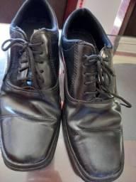 Sapato masculino, n. 38 e 39