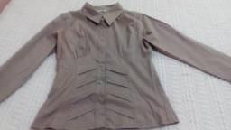 Título do anúncio: 2 camisas e 1 calça