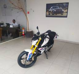 MOTOCICLETA BMW G 310 R 2020