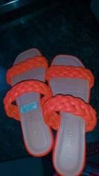 Vendo essa sandália novinha confortável