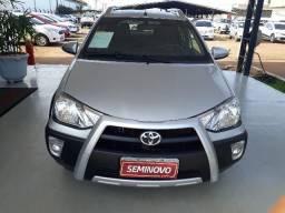 Toyota Etios cross 1.5 flex - 2015