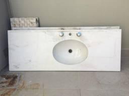 Tampo em mármore branco 0,48 x 1,30m