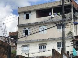 Vende-se ou troca-se por casa de praia um prédio com 7 casas em Simões filho