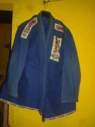 Pra levar 80 kimono completo muito bem conservado.