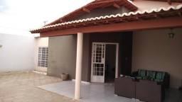 Ótima casa no bairro Caminho do Sol