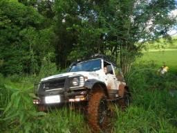 AP 1.8 Jeep Samurai preparado para trilha - 1992