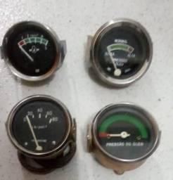 Manômetro e termômetros para motor diesel