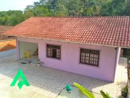 Ótima casa a venda no Bairro Fidelis.