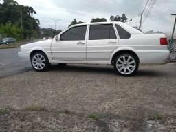 Santana 2002/ ar condicionado/ direção hidráulica/pneus novos - 2002