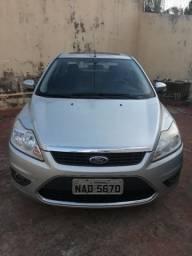 Vendo ou troco ford focus sedã automático impecável - 2009
