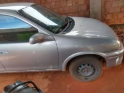 Vende-se Corsa sedan 2001, R$9.500,00,