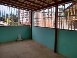 Alugo apartamento anual em Iriri