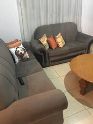 Vendo 2 sofás, 2 e 3 lugares