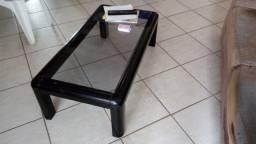 mesa de centro em laca preta com tampo de vidro