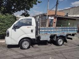 Caminhão Kia Bongo 2015