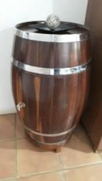 Bar Barril em madeira de lei - Raridade