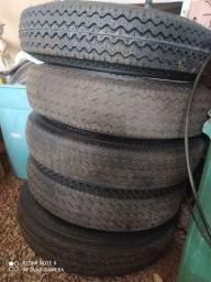 Título do anúncio: 5 rodas de Fusca aro 15 com pneus novos