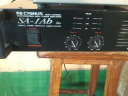 Amplificador e mesa de som