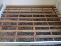 Vendo cama casal laqueada.estrado de madeira parafusada